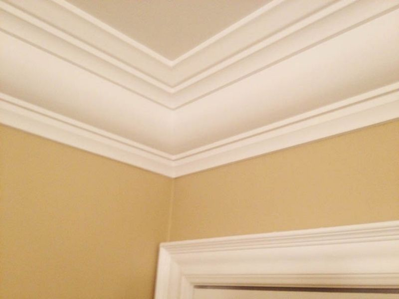 Crown moulding 3